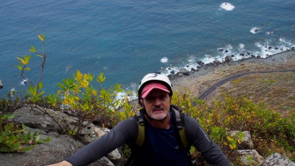 Escalando en el Roque de las Animas. Foto: Sebastián Álvaro